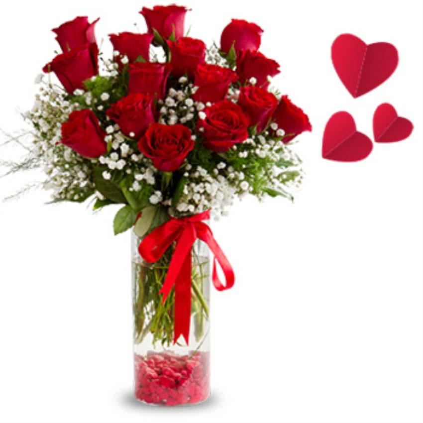 Ben seni hep sevdim aşkım. Cam vazo içerisinde 15 adet kırmızı güllerden oluşan arajman