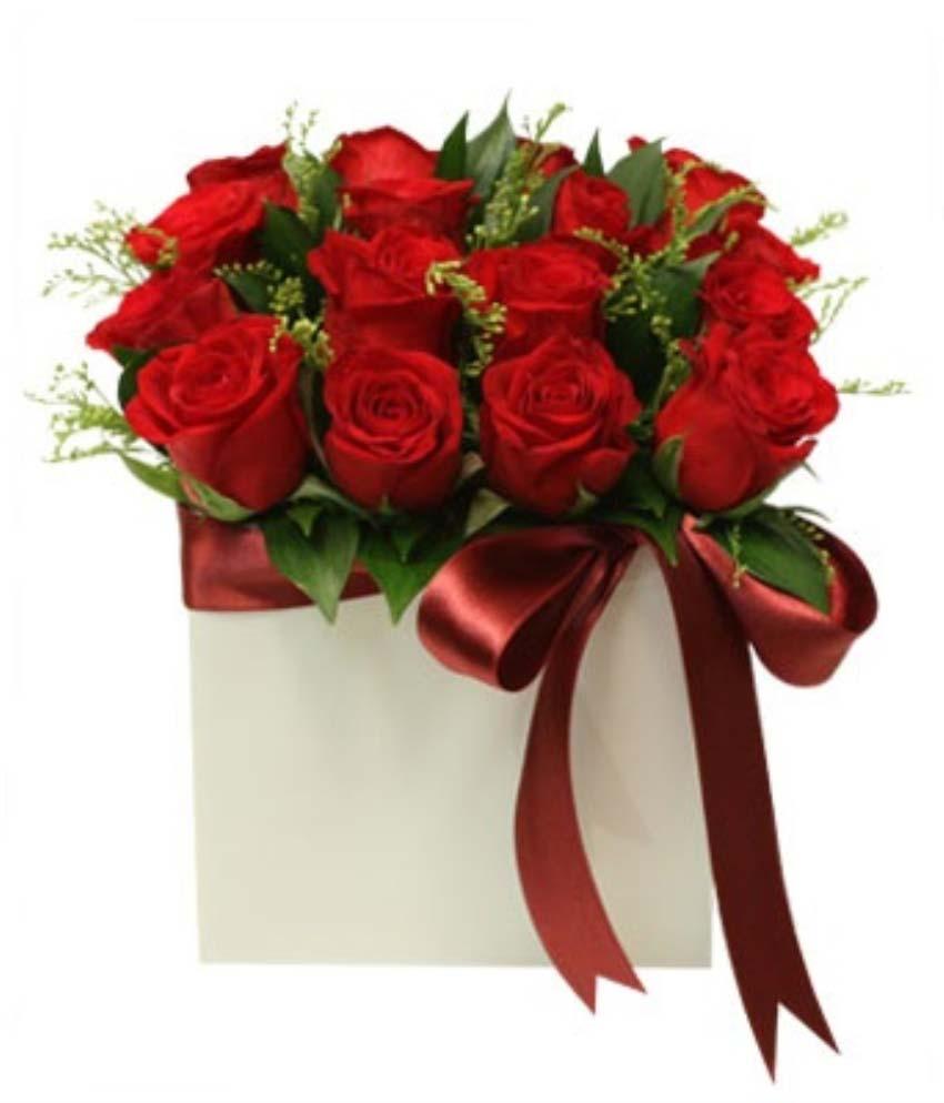 Ben senin güzel yüreğine aşık oldum. Seramik vazo içerisinde 16 adet kırmızı güllerden oluşan arajman